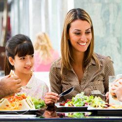 Menos deberes y más cenas en familia