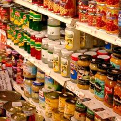 Distinguimos entre comida en lata que sí y que no